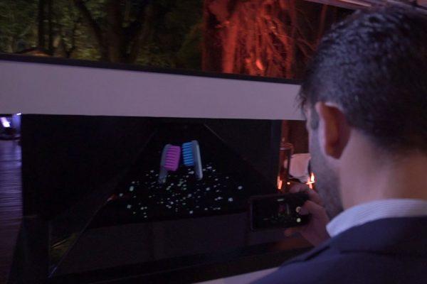 Elmex-display-holografico-01